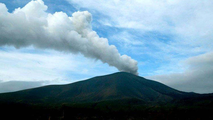 erupcion volcan monte asama agosto 2019