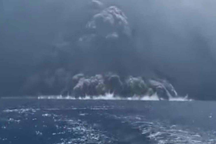 Huyen de la erupción del volcán Stromboli