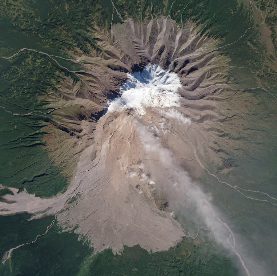 volcan shiveluch rusia
